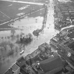 This is an aerial shot of flooding at Fairview, Dublin on a December morning in 1954. Image produced courtesy of National Library of Ireland from the Independent Newspapers collection.