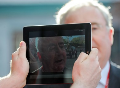 Communications Minister Pat Rabbitte could take a picture of his own face if and when he gets an Oireachtas tablet