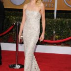 Naomi Watts is beautiful. Does no one have fabric in a colour in Hollywood anymore? (© Vince Flores / AFF-USA.COM)