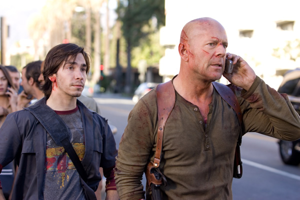 Live Free or Die Hard movie image Bruce Willis and Justin Long